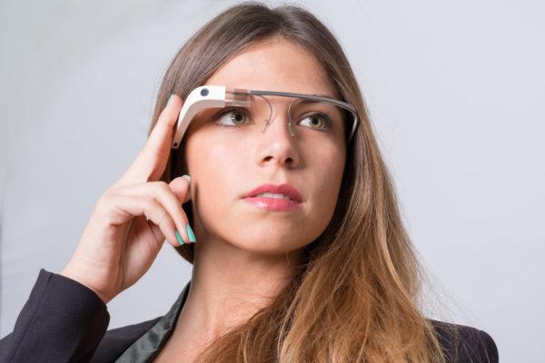 Gold-VR_Addio-Occulus-Go_art_google-glass.
