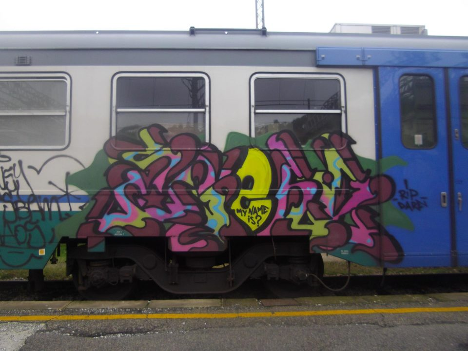 Agent-Graffiti-goldworld