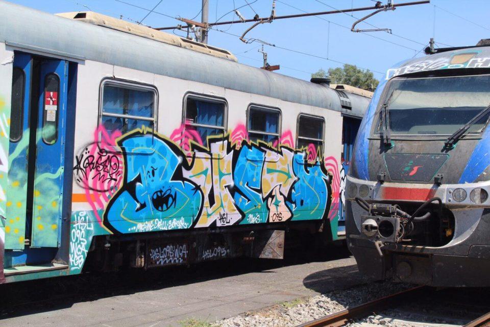 Spray_Wars-Busted-Graffiti-05-goldworld