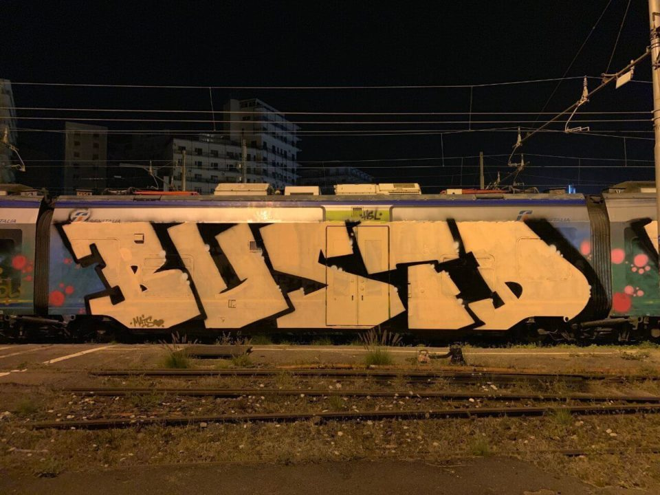 Spray_Wars-Busted-Graffiti-06-goldworld