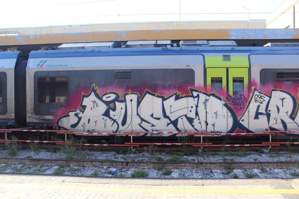 Spray_Wars-Busted-Graffiti-20-goldworld