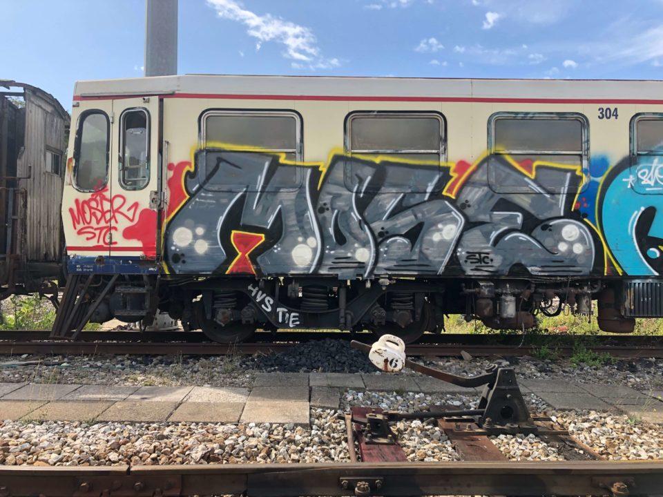 Mose-Spray_Wars-graffiti-goldworld-17