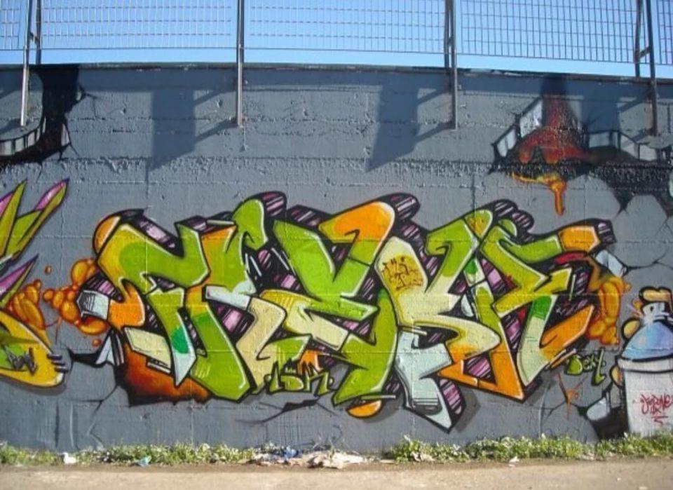 Freshlove-spray_wars-writing-goldworld-9