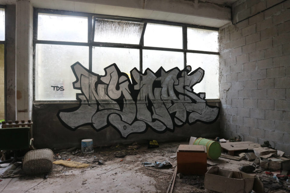 Spray_wars-nina-graffiti-goldworld-6