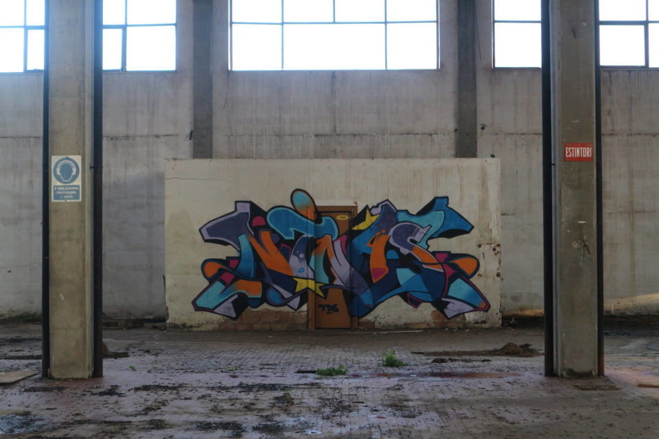 Spray_wars-nina-graffiti-goldworld-8