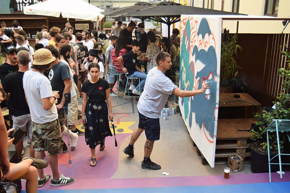 Back Yard Urban Market-Judaskiss-Live_Painting-goldworld-2