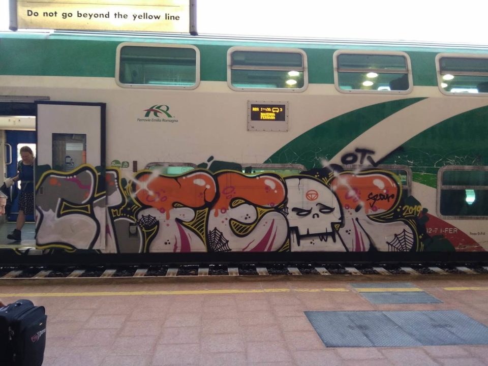 Spray_Wars-Fear-Graffiti-goldworld-13