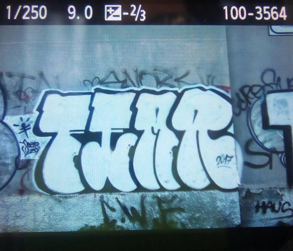Spray_Wars-Fear-Graffiti-goldworld-9